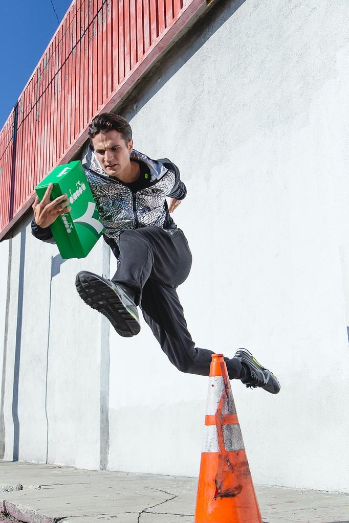 Mit der Bright Delivery City Edition Kampagne wird die Welt des Sportswear  der Marke Diadora zelebriert d3ffcebabb0